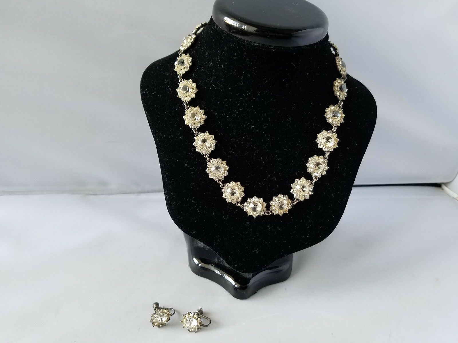 Vintage Fashion Jewelry Set Necklace Earrings Silver Tone Crystal Choker