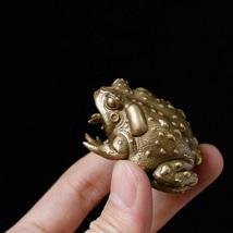 0.2 LB  Vintage Hand sculpture Pure brass toad frog statue sculpture sta... - $9.90