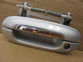 OEM Cadillac CTS DTS Driver Side Left LH Front Door Handle Exterior Outside - $19.99