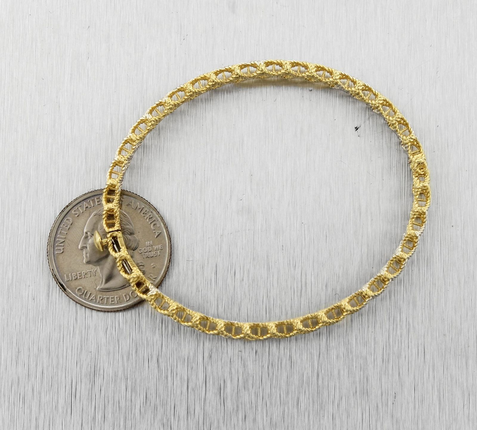 Ladies Roberto Coin 18K Yellow Gold Barocco Crisscross Bangle Bracelet 14.7gr