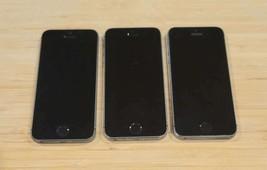 Lot of 3 Apple iPhones 5s A1533 Black Unlock Status Unknown - $89.10