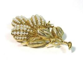 Lisner Faux Pearl Rhinestone Brooch Pin Gold Tone Vintage Jewelry - $21.78