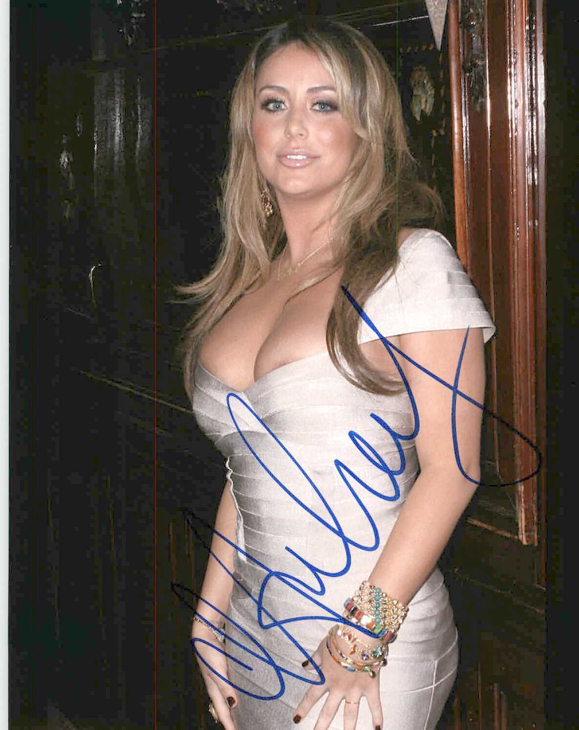 Primary image for Aubrey O'Day Signed Autographed Glossy 8x10 Photo #2