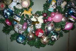 Fabulous Retro Christmas Ornament Wreath with lots of Angels and Balls! image 4