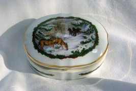 Heritage House 1986 Christmas Melodies White Christmas Musical Trinket Box - $11.08