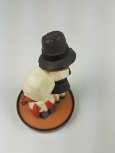 Hallmark Thanksgiving Pilgrims Couple Kneeling Give Thanks Merry Miniature  image 6