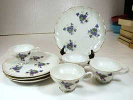 Vintage Snack Luncheon Plates & Cups Seashell Shape Violet Flowers gold ... - $47.99