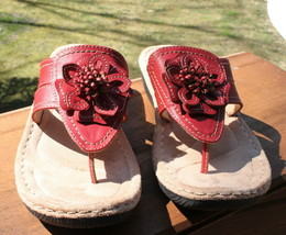 Cliffs by White Mountain size 10 Womens Carnation Thong Sandal Red Shoes Summer - $28.70