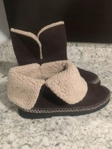 ISOTONER Comfort Technology Slippers Fur Trim Brown Sz 8.5-9 - $10.21
