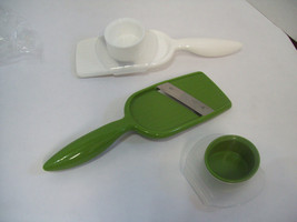 Set of Two Hand-Held  Mandolin Slicers, Green & White New Free Shipping C6 - $10.88