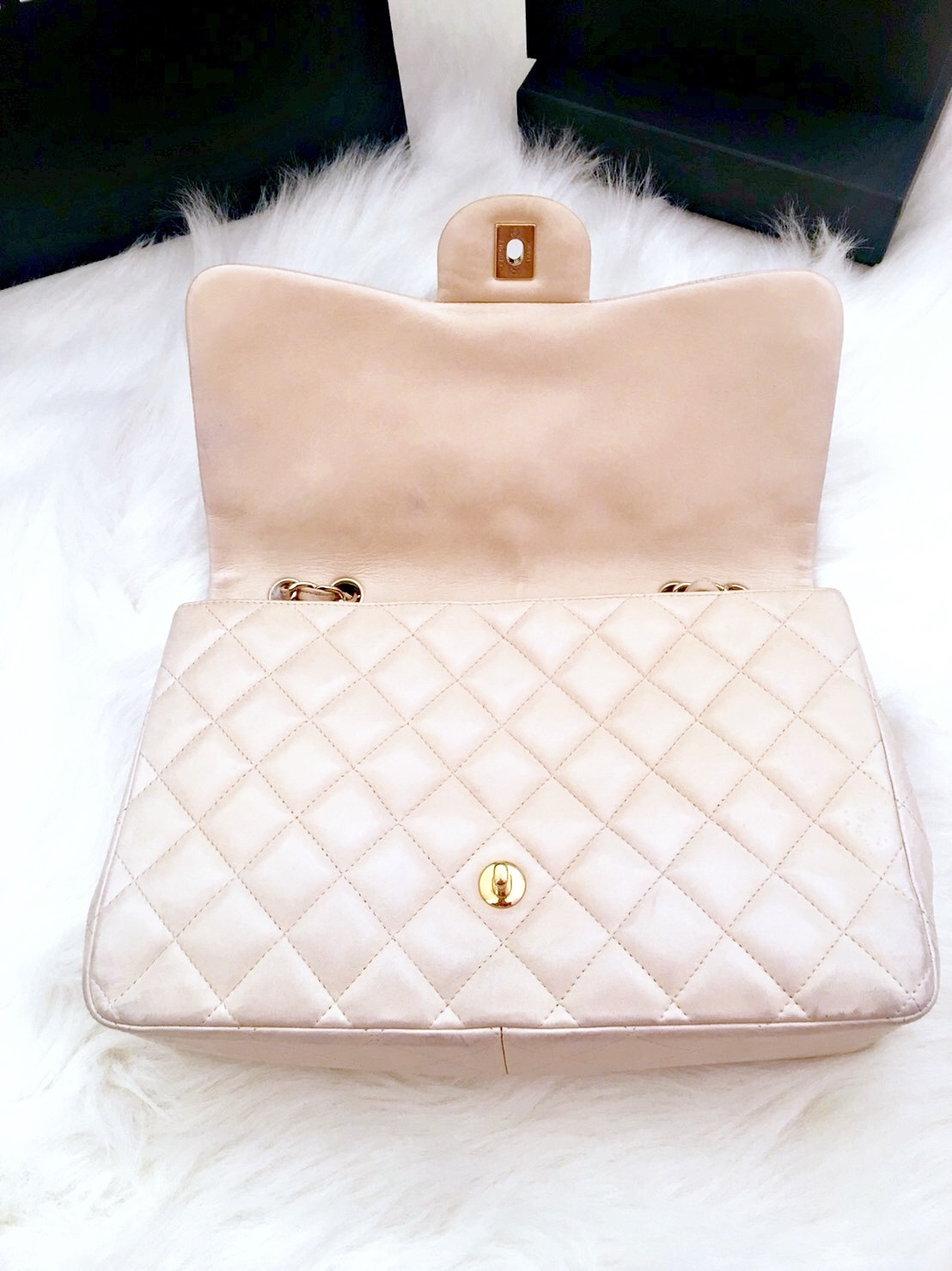 2439cdd24fe7a6 ... AUTHENTIC CHANEL BEIGE QUILTED LAMBSKIN JUMBO CLASSIC FLAP BAG GOLD  HARDWARE ...