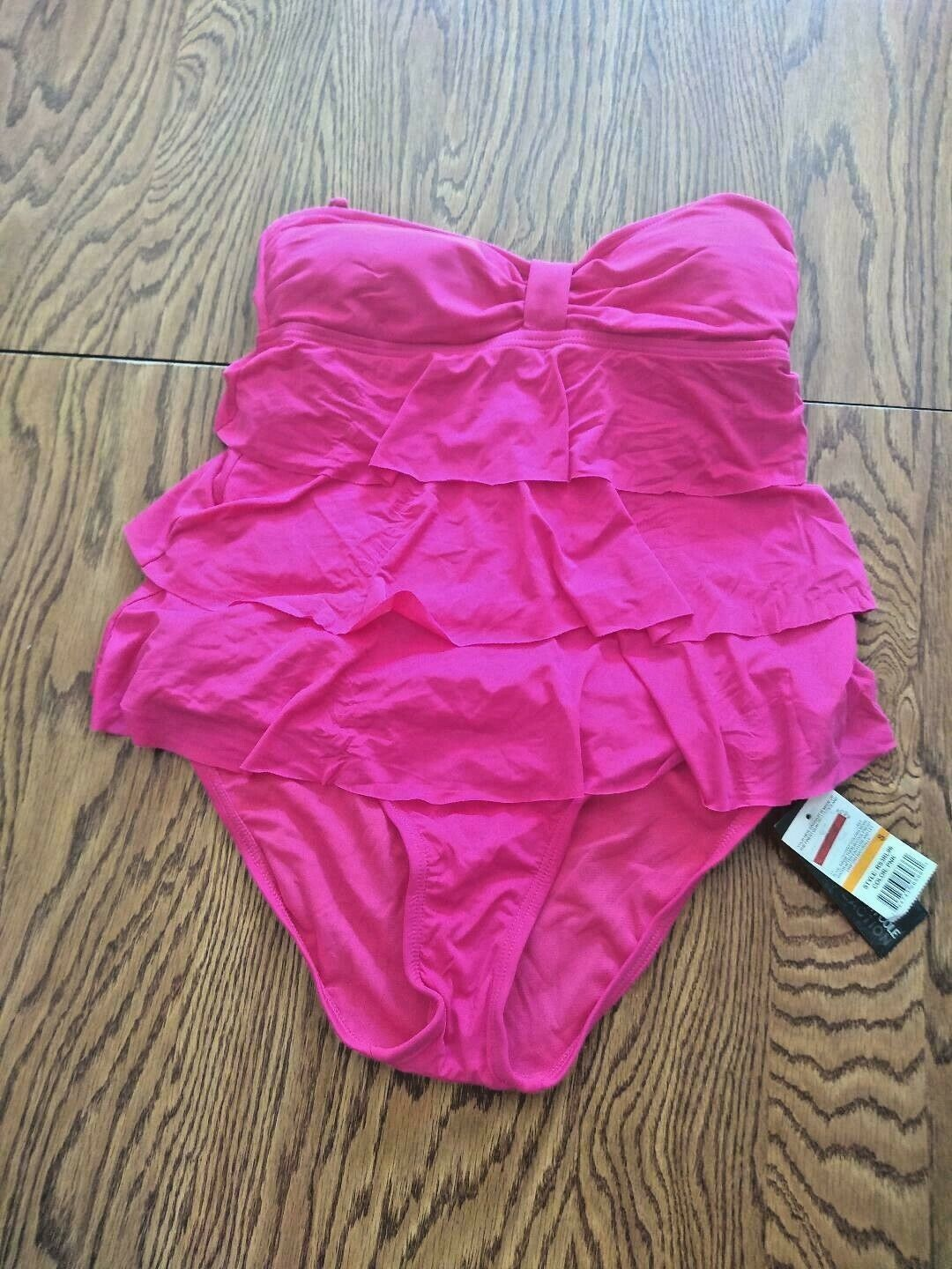 Kenneth Cole Reaction Pink Two Piece Swimwear Size Small