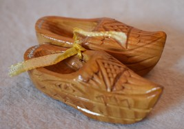 Vintage Pair of Miniature Carved Wooden Shoes Souvenir of Holland 2.75 i... - $12.19