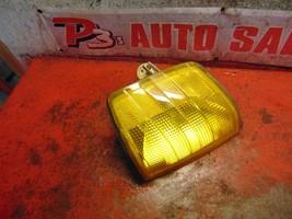 93 92 91 90 89 88 87 Mercedes Benz 190E oem drivers side left corner light - $19.79