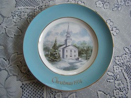 Avon Christmas Plate 1974 Second Edition Country Church Wedgwood Excellent - $7.87
