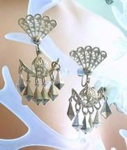 Elegant Filigree Gold-tone Screw-on Chandelier Earrings 1950s vintage 2 ... - $14.20