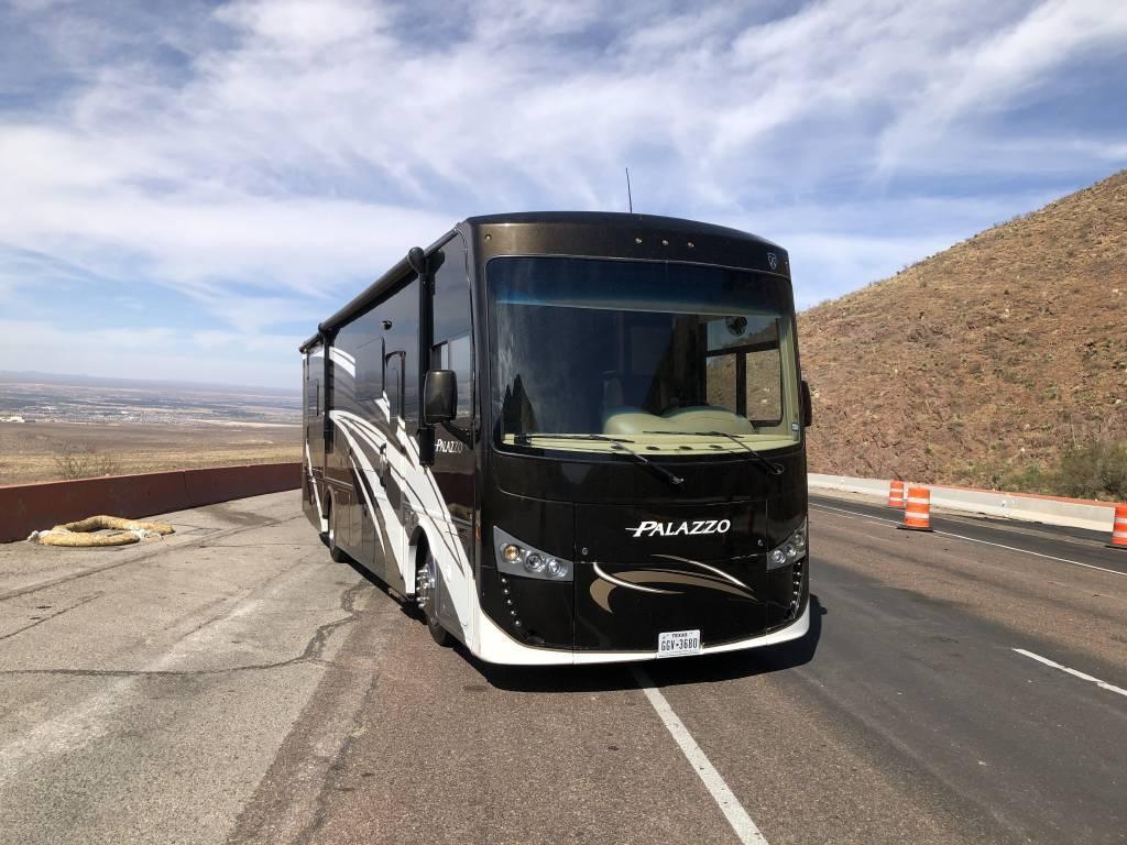 2016 THOR MOTOR COACH PALAZZO 33.2 FOR SALE IN El Paso, TX 79912