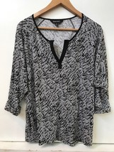 Ellen Tracy Size L Large Black White Print Shirt Top Blouse - $14.95