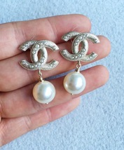 AUTHENTIC CHANEL Large Pearl CC Logo Dangle Drop Earrings Gold  image 3