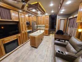 2017 VanLeigh Vilano 325RL FOR SALE IN Englewood, CO 80110 image 6