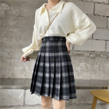 Women Girl Black Plaid Skirt Plus Size Fall Winter Pleated Plaid Skirt Outfit  image 4