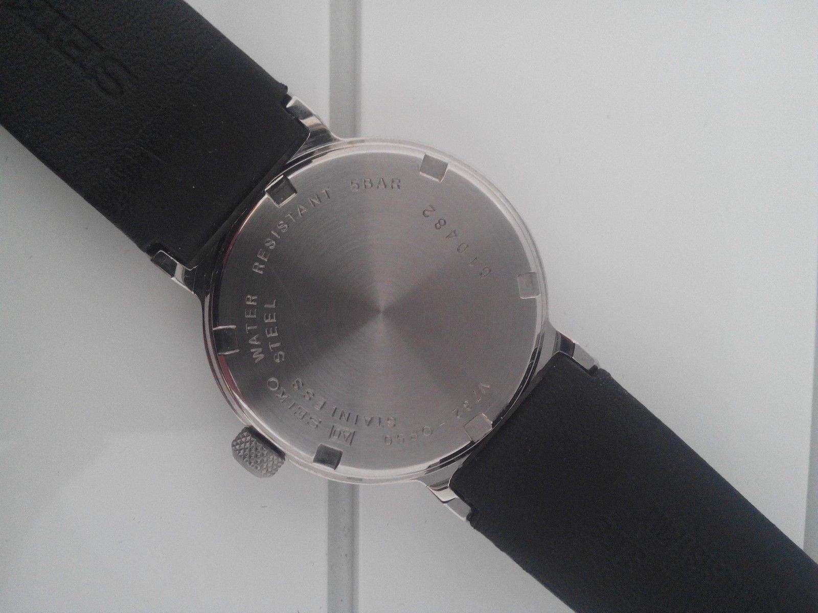 Seiko watch SKG889P1, black dial, casual, red second hand