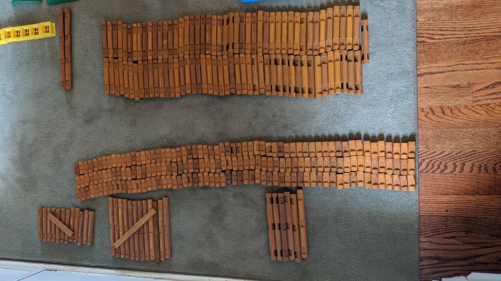 LINCOLN LOGS LOT 347 PIECES WOODEN BUILDING TOYS ROOF WINDOWS TRAIN TRACK