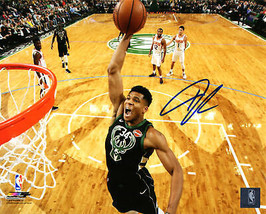 GIANNIS ANTETOKOUNMPO Signed Milwuakee Bucks Action 8x10 Photo - SCHWARTZ - £226.16 GBP