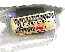 RF5-0041-020 Pickup Roller, Tray 2/3 for HP LaserJet 3Si / 4Si - $6.92