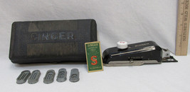 Vintage Singer 160506 Buttonholer w/ Attachments 5 Templates and Case Works - $18.80