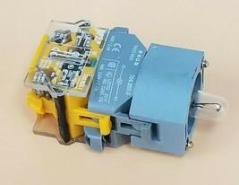 NEW EAO 704.950.0 LAMP SOCKET W/ 704.900.1 CONTACT