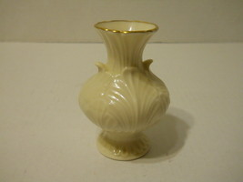 "4 3/4"" Lenox Flower Design Vase - Beautiful Condition - needs cleaning  - $18.46"