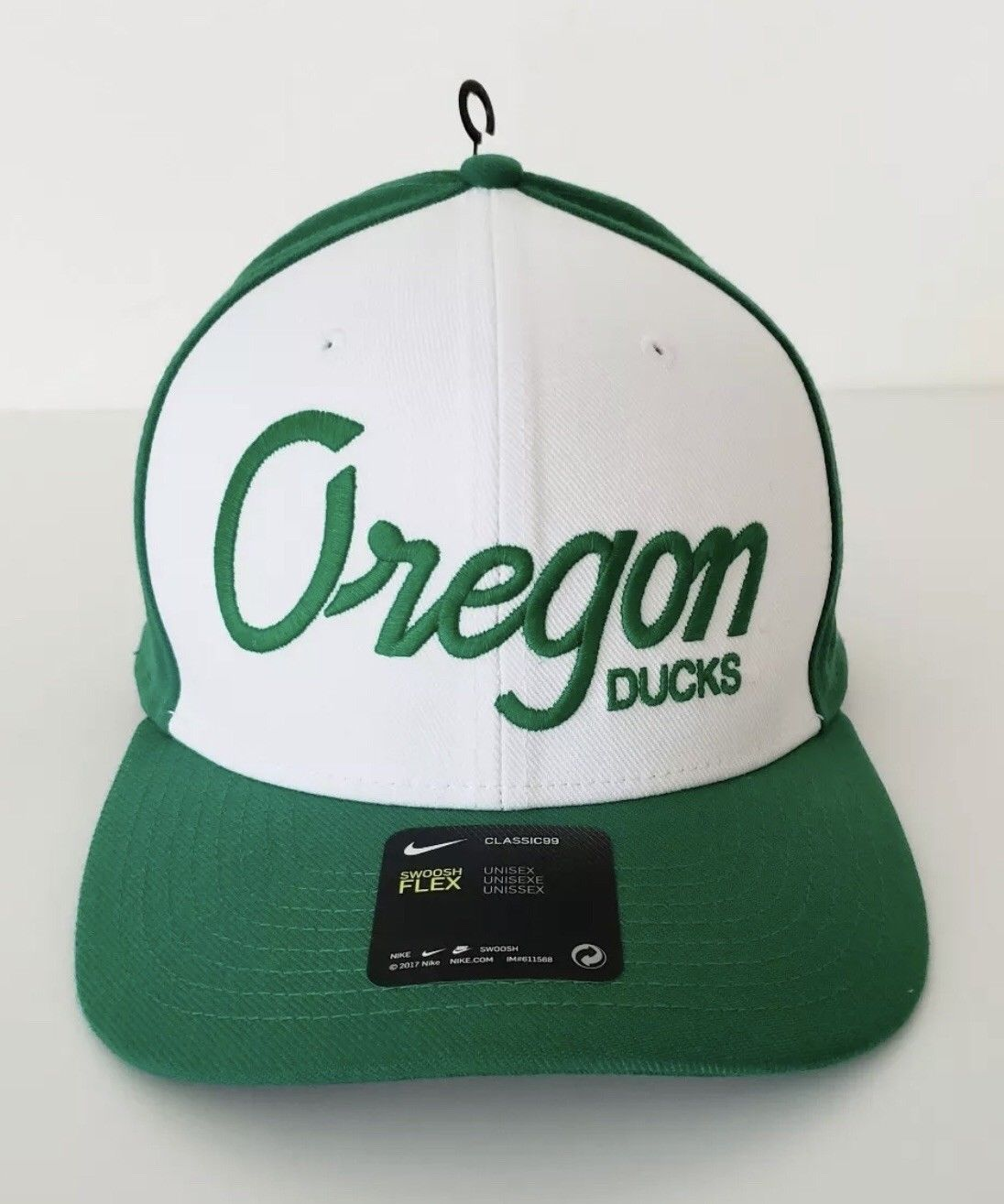 New Unisex Nike Classic 99 Oregon Ducks Football Swoosh Flex Fit Dri-Fit Hat Cap