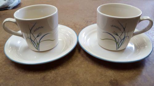 4 Corelle Coastal Breeze Coffee Cups Mugs w//Saucers Beige Blue Rim