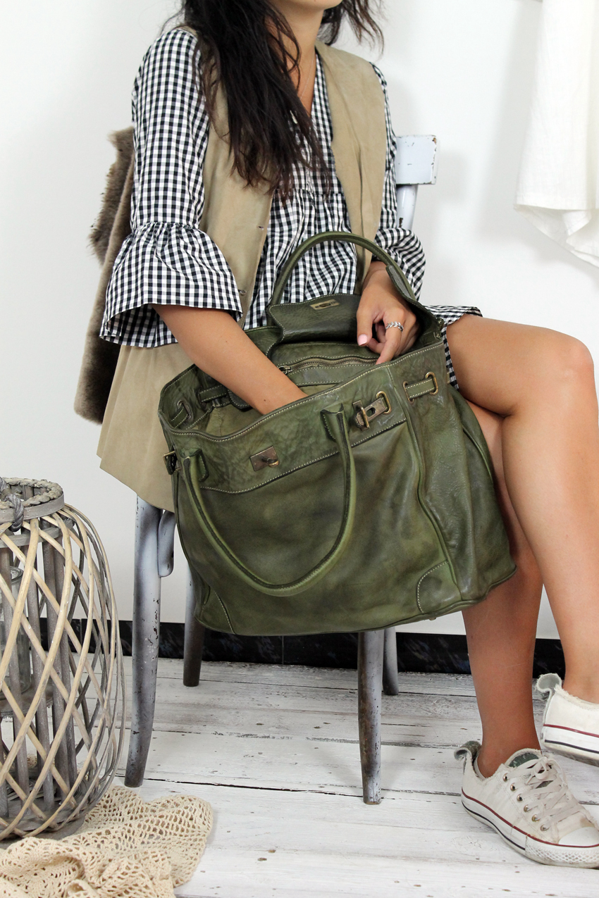 CLOSER BAG handmade leather bag image 5