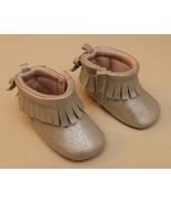 Oshkosh Baby Bgosh Infant 6-9 Months Gold Fringe Booties Boots Bow Size 3 - $12.84