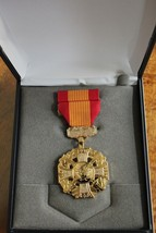 USMC & FLEET MARINE CORPS UNISSUED CASED VIETNAM GALLANTRY CROSS MEDAL S... - $49.49