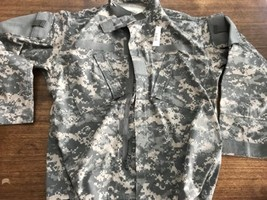 Us Army Military Digital Camo Zip Jacket New Medium Short Nwt - $14.25