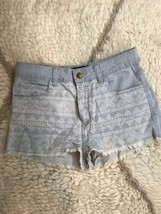 Forever 21 Tribal Printed Light Wash Denim Frayed Hem Shorts Size 27 Blue  - $14.84