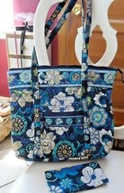 Vera Bradley Villager large zipper tote and check book cover in Mod Flor... - $52.00