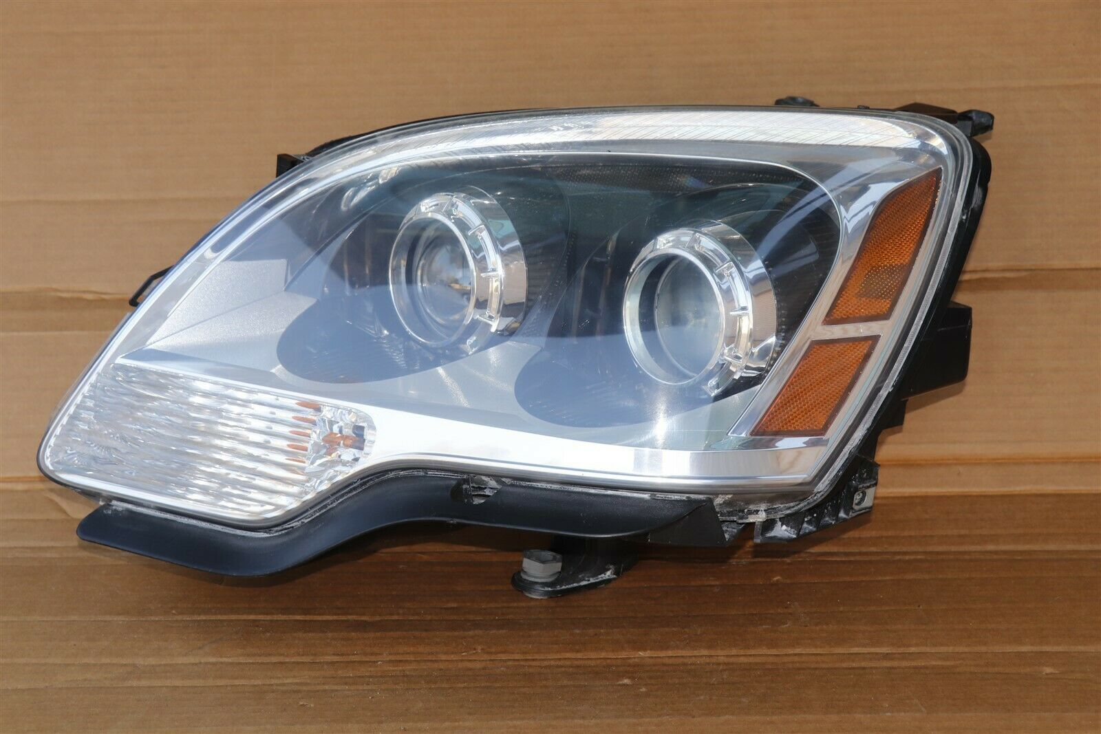 07-12 GMC Acadia Hid Xenon Headlight Lamp Driver Left LH - POLISHED