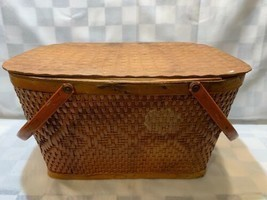 Vintage RED-MAN Wicker Woven Picnic Basket Peru Indiana Made in USA 18 x... - £16.19 GBP