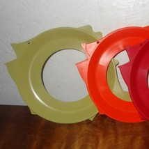 Lot 3 Vintage Fish Plate Holders Plate Mate shape 70s Red Orange Green P... - €22,47 EUR