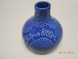 NEW HALLMARK DECORATIVE VASE: * MOMS HELP US BLOOM *  BLUE Mother's Day ... - $2.96