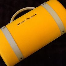 Veuve Clicquot City Traveler Wine Transport Carrier 2 Glass Flutes & Sun... - $184.89