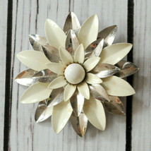 vintage Sarah Coventry signed white enamel flower silver tone brooch pin... - $14.84
