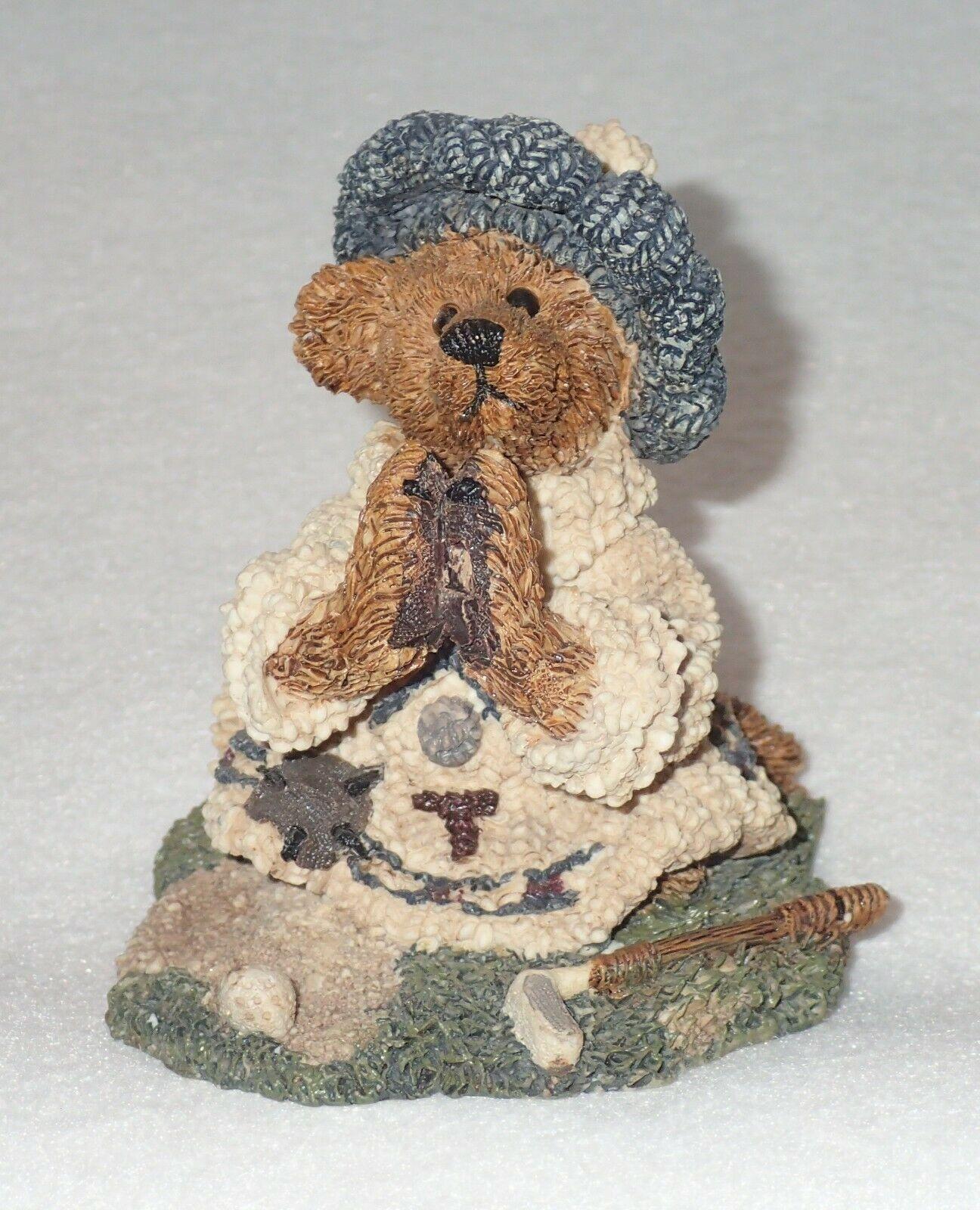 Boyd Bearstone Resin Bears Sebastian's Prayer Figurine #2227 17E NEW IN BOX