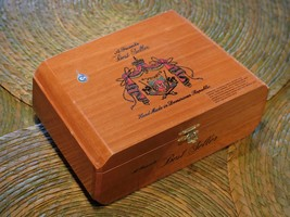 Brazilian Bird Call/Samba 7 whistles Wood case pack - $148.67