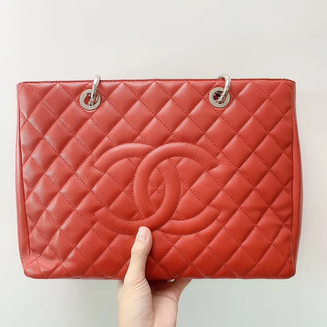 AUTH CHANEL RED QUILTED CAVIAR GST GRAND SHOPPING TOTE BAG