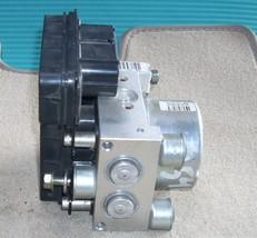 2006 MITSUBISHI ENDEAVOR ANTI LOCK ABS BRAKE ASSEMBLY MR569715 OEM